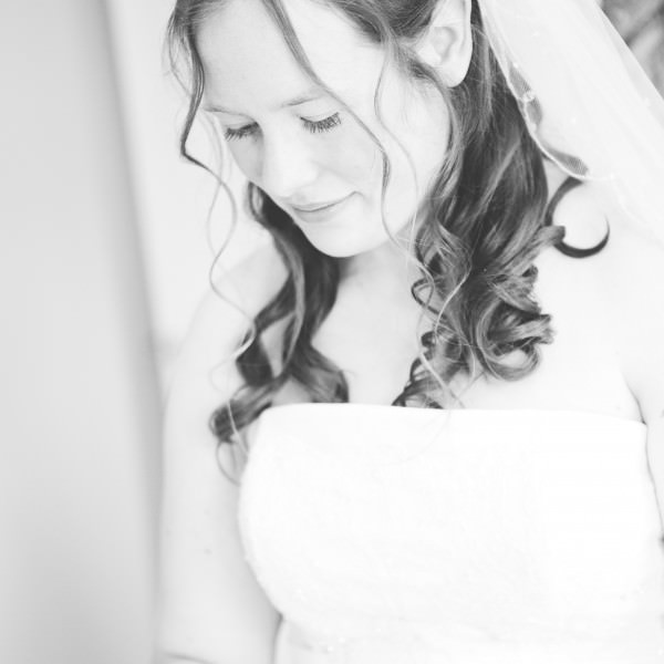 Images from the rainy and windy, but very beautiful wedding of Suzanne and David!