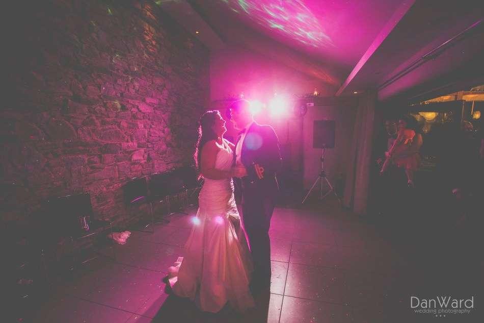 Simon_and_Sara_515_Dan-Ward-Wedding-Photography - FAVE