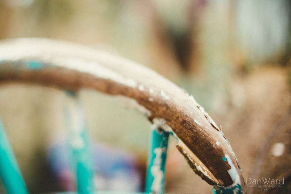 Cornwall wedding photographer explains how to use freelensing to create a titlt shift effect