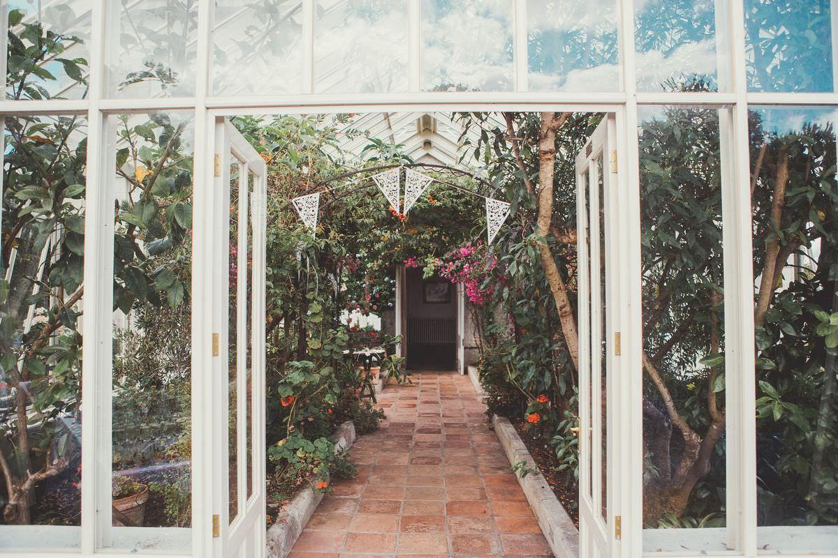 Wedding photographer Cornwall - Scorrier House