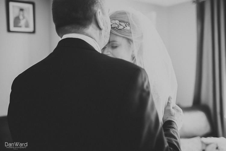 Cornish-wedding-photographer-andrew-and-sam