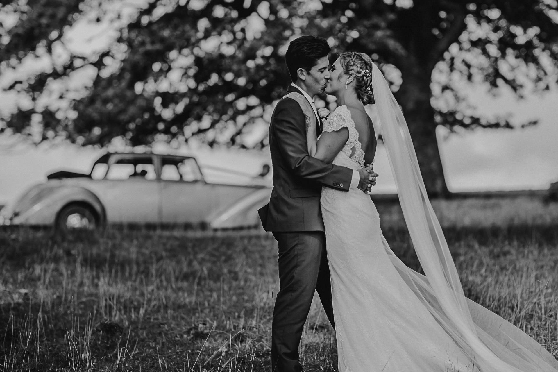 trelissick-wedding-photographer- (3)